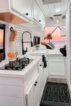 Van Conversion Kitchen, Van Conversion Interior, Camper Van Conversion Diy, Sprinter Van Conversion, Bus Camper, Camper Life, Van Living, Tiny House Living, Van Kitchen