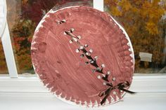 Lacing Paper Plate Footballs Paper plate footballs add fun and whimsy to any football themed party. This fun craft doubles as a take-home party favor. The post Lacing Paper Plate Footballs was featured on Fun Family Crafts. Fall Preschool, Preschool Crafts, Fun Crafts, Preschool Ideas, Preschool Boards, Daycare Crafts, Summer Crafts, Design Adidas, Football Crafts