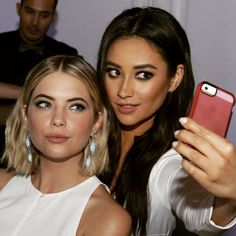 ButtahBenzo (Ashley Benson and Shay Mitchell) take a selfie