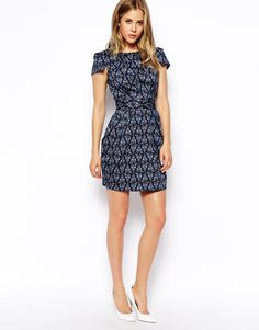 Closet Tie Back Dress With Pockets in Wallpaper Print
