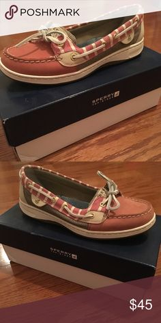 Sperry Topsider Burgundy sperry topsider womens shoe. Perfect for fall or spring weather! Comfortable and only worn once! Sperry Top-Sider Shoes Flats & Loafers