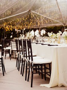 Photography : Merari Photography Read More on SMP: http://www.stylemepretty.com/2016/11/04/chic-modern-miami-wedding-at-the-raleigh-hotel/