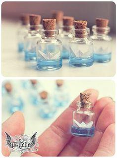 Paper boat bottle