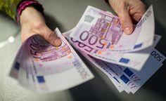 Borxhi publik i Kosovës: 1 miliard e 131 milionë euro, rritet borxhi i brendshëm Bilbao Vizcaya, Vice News, Dollar Money, Free Classified Ads, Knowledge Is Power, Drinking Tea, How To Be Outgoing, Debt, Pat Cash
