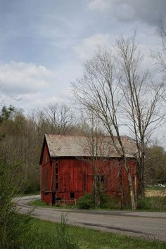 Red Barn along the road...