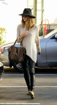 How to Chic: ROSIE HUNTINGTON WITHELEY BEST LOOKS