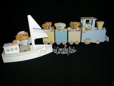 Barquinho e Trenzinho decorativo. Pode ser colocado em quadro para Porta Maternidade