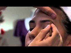A continución te presentamos nuestro curso de maquillaje para iniciar tus conocimientos de forma seria y profesional. Puedes comenzar ahora mismo a aprender Makeup Tips, Eye Makeup, Cosmetic Tattoo, Mary Kay, Beauty Hacks, Hair Beauty, Make Up, Cosmetics, Maje