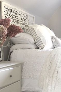 Just like my ideas of decor have evolved over time, so has my need to add seasonal touches to my spaces. I still like to keep it fairly simple, but a little goes a long way as far as I'm concerned. Fall is one of my favourite seasons, so why not add decor to the bedrooms. Do what makes you happy!
