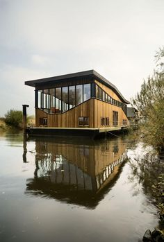 Stunning Floating House Designs HQ Pictures) - Metal Building Homes Floating Architecture, Water Architecture, Architecture Design, Farmhouse Architecture, Metal Building Homes, Building A House, Houseboat Living, Water House, Boat House