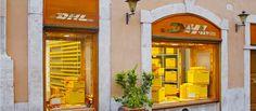 Insegne Roma, insegne per negozi a Roma, insegne negozi Roma piazza Monte Citorio