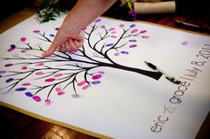 Finger print tree - Cool guest book idea, since guest books tend to be thrown away or just plain boring. Perfect Wedding, Dream Wedding, Wedding Day, Anniversary Parties, Wedding Anniversary, Cute Birthday Ideas, Baby Event, Fingerprint Tree, Finger Print