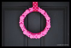 Peeps Wreath - It is cheap, quick and easy to make for last minute decorations