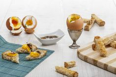 The best cure for a hangover are these anchovy soft boiled egg soldiers just perfect after a rough night. Crispy toast with a runny egg yolk and a salty, garlicky and spicy sauce is all that you need to get back on your feet. Soft Boiled Eggs, Quick Meals, Cooking Recipes, Food, Fast Meals, Fast Foods, Chef Recipes, Essen, Eten