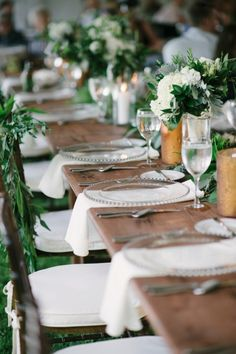 Top 20 Rustic Outdoor Table Settings — the bohemian wedding Rustic Outdoor, Rustic Table, Rustic Wedding Reception, Wedding Backyard, Elegant Wedding, Outdoor Table Settings, Wedding Plates, Wedding Place Settings, Decoration Table