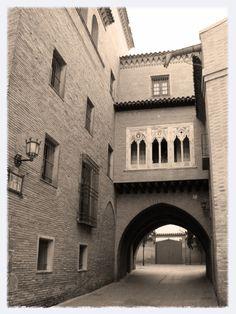 Casa y Arco del Dean.- Living Zaragoza   Qué ver en Zaragoza según una zaragozana
