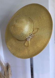 f327b9d6f5c gold straw hat with rhynestone Palm Beach pin.new  fashion  clothing  shoes