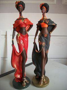 Damas Africanas em gesso African American Art, African Women, African Fashion, African Art Paintings, African Dolls, Pottery Sculpture, Afro Art, Human Art, Black Women Art