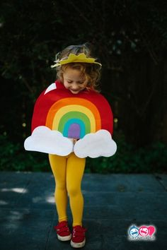These gorgeous DIY Halloween costumes were originally featured on Style Me Pretty and will definitely provide some Halloween inspiration! Halloween is JUST Costume Alice, Best Toddler Halloween Costumes, Diy Halloween Costumes For Kids, Halloween Costumes For Girls, Diy Costumes, Costume Ideas, Costume Contest, Vintage Halloween, Children Costumes