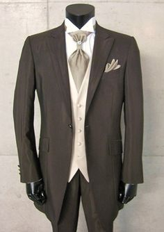 2013 High quality champagne Mens Wedding Dress Bridegroom suits Prom (jacket+vest+pants+Tie) on Suzhou Itilor Wedding Ltd. $159.00