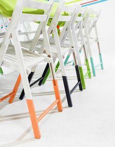 sillas de terraza o jardín con efecto patas sumergidas