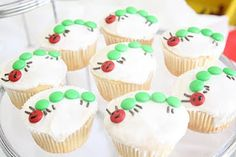 4 green M&Ms, 1 red M&M, 6 chocolate sprinkles for . 4 green M&Ms, 1 red M&M, 6 chocolate sprinkles for … – Hungry Caterpillar Cupcakes, Very Hungry Caterpillar, Chenille Affamée, Good Food, Yummy Food, Chocolate Sprinkles, Snack Recipes, Snacks, Food Humor
