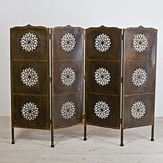 This four-panel screen is a beautiful room divider or simply an accent to any decor. Decorated with lotus patterns and finished in black, this screen is an elegant solution for creative room space. Folding Screen Room Divider, Metal Room Divider, 4 Panel Room Divider, Folding Screens, Wooden Screen, Metal Screen, Feng Shui, Indian Room, Decorative Screens