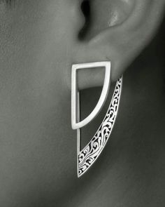 Independent jewellery label based in Singapore. Come explore Dvibhumi's unique and contemporary jewellery designed in Singapore and handcrafted in silver, brass and copper in collaboration with master artisans in Bali and Jaipur. Bijoux Design, Schmuck Design, Jewelry Design, Jewelry Art, Jewelry Accessories, Fashion Jewelry, Unique Jewelry, Jewellery Box, Jewlery