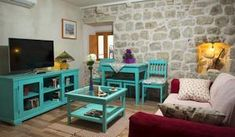 Located within the UNESCO-protected Old Town of Dubrovnik, Guesthouse La Musica offers air-conditioned accommodation with free Wi-Fi access.... Reviews....http://www.booking.com/hotel/hr/la-musica-apartments.en-gb.html?aid=379205;sid=f53f5232f6494da37a533d498ee7b052;dcid=4#blockdisplay4