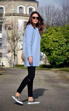 Silvia Vazquez The Pink Innuendo Zara coat Massimo Dutti bag Primark trousers Mango necklace H&M slipons #streetstyle