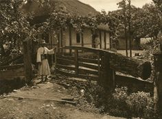 Bucharest Romania, Old Photography, Old Photos, The Past, House Design, Black And White, House Styles, Modern, Pictures