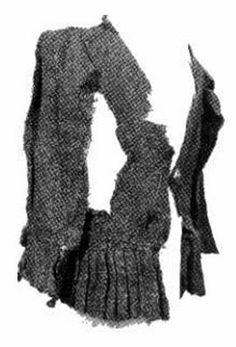 I feel that claims that Irish clothing changed very little over time are completely false. A 4 th century Irishman did. Irish Clothing, Medieval Clothing, Historical Clothing, Irish Fashion, Fashion History, English Fashion, Irish Costumes, 16th Century Clothing, Scottish Dress