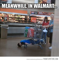 Bahaha, only at Walmart! Makaela's mom: we are going to Walmart Jayda: does that mean I have to put on shoes? Makaela's mom: yes Me: no you don't, it's not required at Walmart! Meanwhile In Walmart, Only At Walmart, People Of Walmart, Walmart Funny, Walmart Pictures, Funny People, Stupid People, Walmart Stuff, Shopping