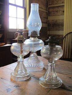 We still have some of these and like ones in the pic a few are minus their globes.~JN