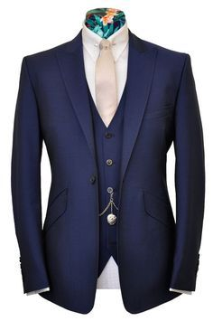 Again, peak lapels, angled pockets and slim fit cut….Just awesome. Looks sharp, cool and modern. For the love of suit.