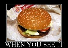 Hamburger Optical Illusion - Do you all see the smiling person? Wtf Funny, Funny Jokes, Funny Shit, Funny Gifs, Smiling Person, Funny Images, Funny Pictures, Crazy Pictures, When U See It