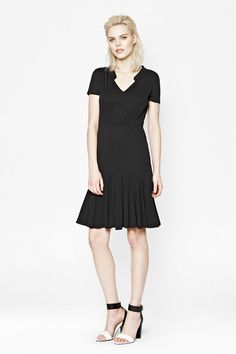 Shop our collection of women's dresses in the French Connection USA sale.