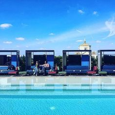 7 Days of BLUE #inLombardia | A great place to be in Milan during Design Week...  by @matildemattioli  #Lombardia #Lombardy #7DaysofColor #BLUE #blu #azzurro #milan #milano #ceresio7 #ceresio #pool #poolside #relaxing #relax #chill #igersmilano #igerslombardia #igersitalia #italia #italy