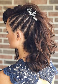 Amazing Porm Hairstyles ideas for this Xmas Prom Hairstyles For Long Hair, Braids For Short Hair, Casual Hairstyles, Latest Hairstyles, Messy Hairstyles, Wedding Hairstyles, Woman Hairstyles, Amazing Hairstyles, Faux Hawk