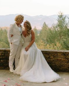 The #BeauGown absolutely sparkling on #EnauraBride, @ckpotz, at the couple's wedding in the California mountains! 🏔 Just look at how in love these two look! 🥰 #sparklyweddingdress #mountainwedding #lgbtqwedding #adventurousbride #romanticwedding #romanticbride #romanticweddingdress Popular Wedding Dresses, Rustic Wedding Dresses, Wedding Attire, Outside Wedding Ceremonies, Wedding Ceremony, Princess Ball Gowns, Tulle Ball Gown, California Mountains, Brides