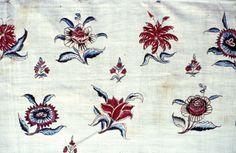 Coton peint et imprimé, fragment de jupon ( détail). Inde, cote de Coromandel, milieu XVIIIe siècle. ( MADOI - inv. TEX.1987.81).