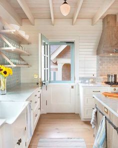 Weekend sale details are up on Beckiowens.com and they up to 50% off. Loving this bright coastal kitchen by Dearborn Builders
