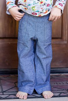 Oliver + S Sandbox pants. by george, via Flickr Kids Clothing, Clothing Patterns, Sandbox, Cute Outfits For Kids, Sewing For Kids, Cute Boys, Boy Fashion, Chambray, Baby Kids
