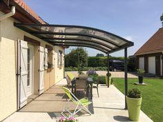 Abri de terrasse en aluminium : créez un véritable espace de vie supplémentaire !