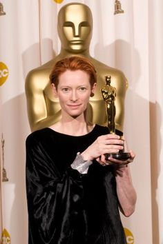 "2008 Best Supporting Actress Oscar Winner Tilda Swinton in ""Michael Clayton"" Oscar Academy Awards, Academy Award Winners, Oscar Winners, Tilda Swinton, Michael Clayton, Hollywood Celebrities, Hollywood Actresses, Actors & Actresses, Female Actresses"