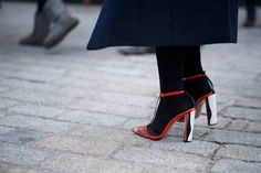 Love the beautiful heels on this pair...