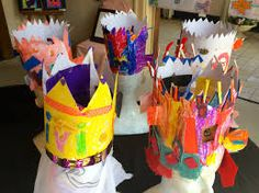 I love this idea but maybe for next year. On days before or in open art, we design a crown for the birthday boy/girl. At the art exhibition we display them on a self made clay or something Dummy.