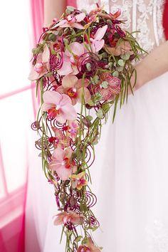 bruidsboeketten waterval zonder de spiraaltjes is deze super mooi!