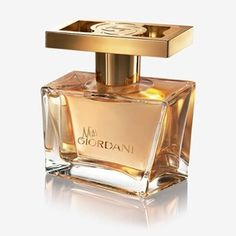 Miss Giordani Gold Eau de Parfum Oriflame The radiance of neroli is the defining signature of this vivacious fragrance. This classic Italian flower casts a sparkling glow of confidence, irresistible vitality and a twist of easy sophistication. Best Womens Perfume, Best Perfume, Deodorant, Boutique Parfum, Oriflame Beauty Products, Perfume Recipes, Homecoming Nails, Prom Nails, Bridal Nails