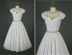 Vintage 50s Elegant Embroidered Cotton Organza Party Wedding Dress